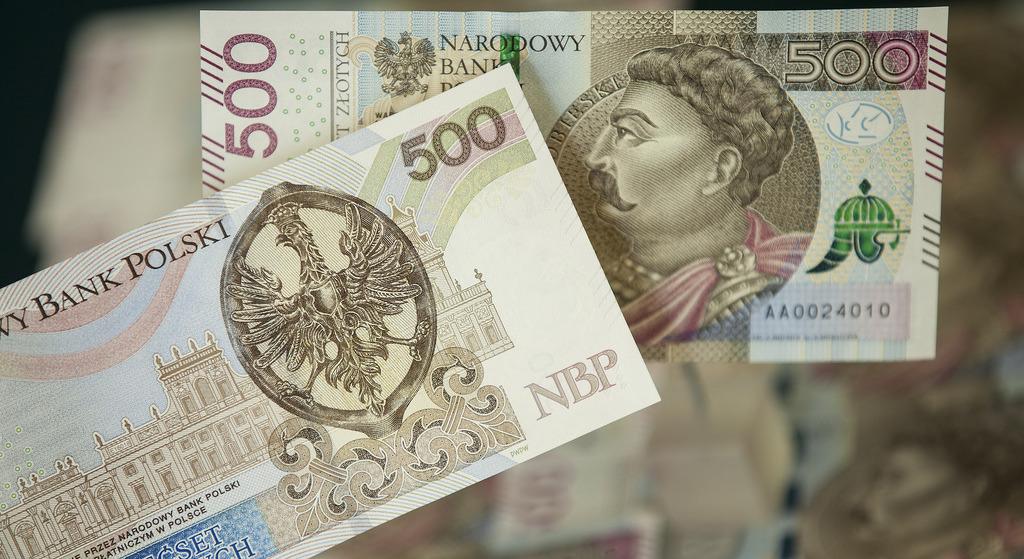 PiS szykuje kolejne 500 plus. Władza chce płacić za Polaków