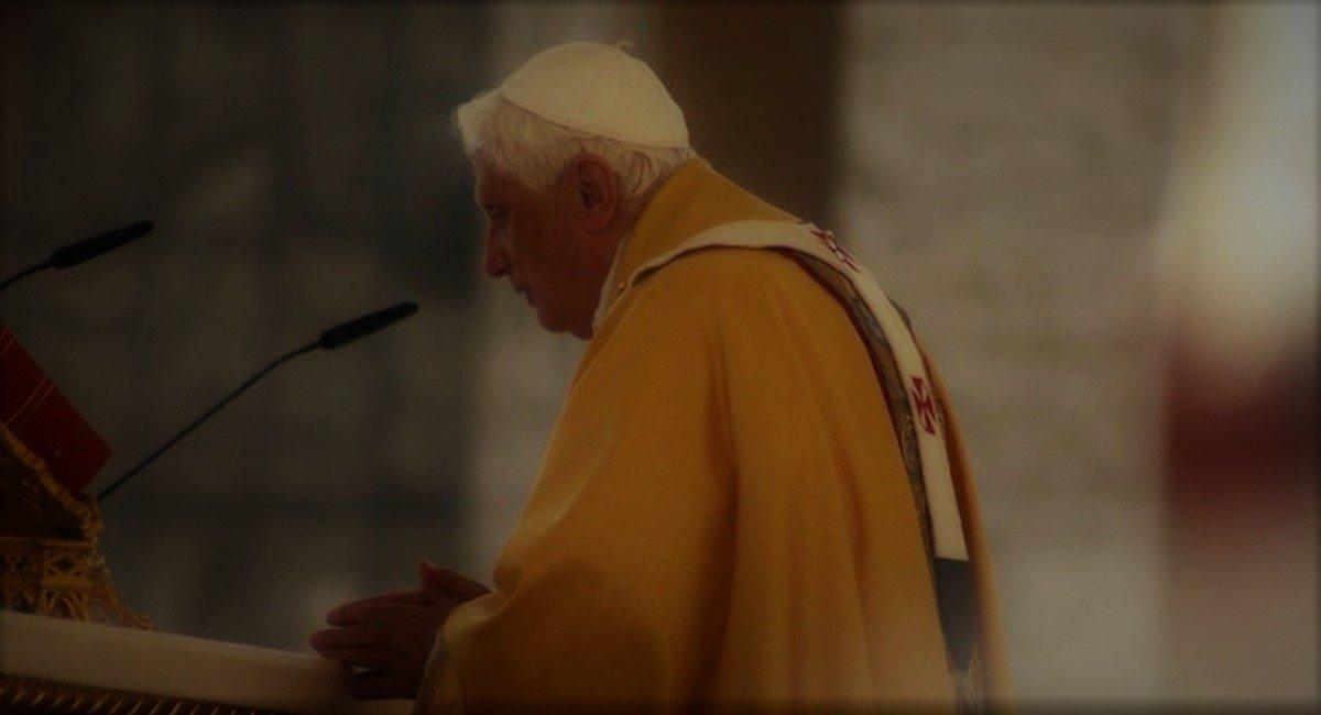 Benedykt XVI ostrzegał przed tym świat. Nikt go wtedy nie słuchał