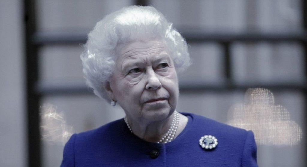 Królowa Elżbieta musi wyprowadzić się z pałacu! Co się dzieje?!