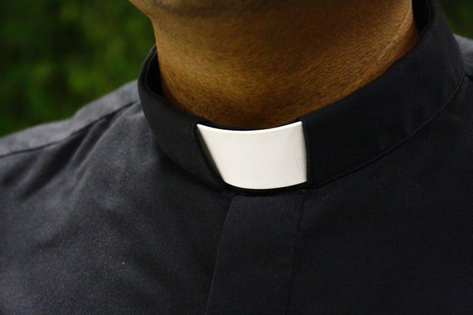 Zaczęło się! Lawina tysięcy zgłoszeń na księży pedofilów w Polsce