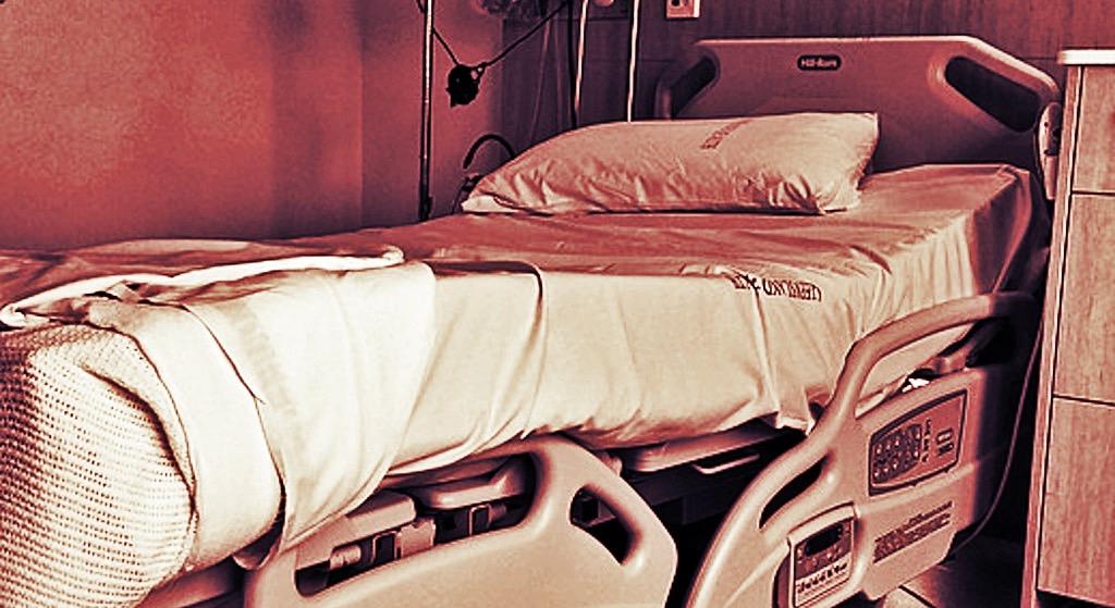 Gwiazdor Polsatu wylądował w szpitalu. Został brutalnie pobity