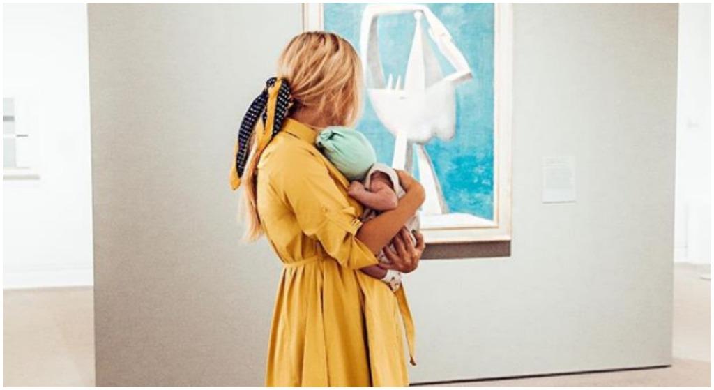 Gwiazda TVN zostawiła 1,5 miesięczne dziecko i wyjechała. Fani zmieszali ją z błotem
