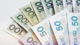 Jeden z największych banków w Polsce rozdaje pieniądze. Wystarczy zrobić prostą rzecz