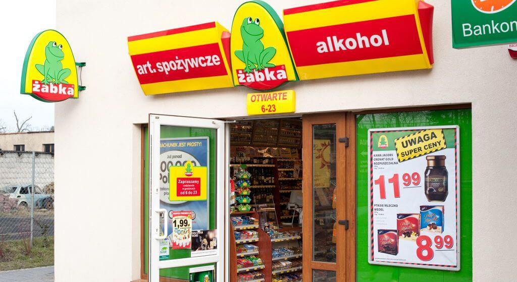 Żabka na wojnie totalnej z PiS?! Potężny cios dla sieci sklepów