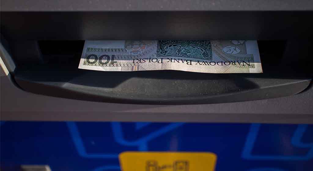 Awaria dużego banku sparaliżowała miliony klientów. Polacy odcięci od własnych pieniędzy