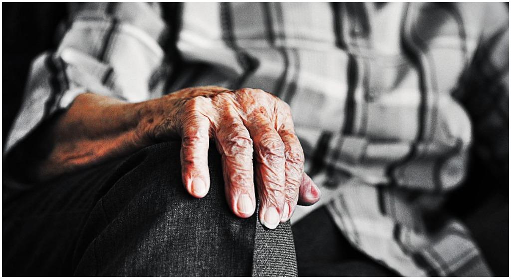 Seniorzy będą wściekli! Ujawniono jakie emerytury mają politycy