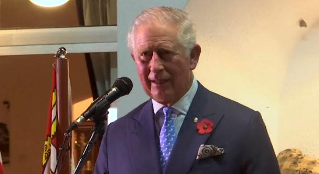 Długo je ukrywali i nie bez powodu. Wyciekło zdjęcie księcia Karola z odległej przeszłości
