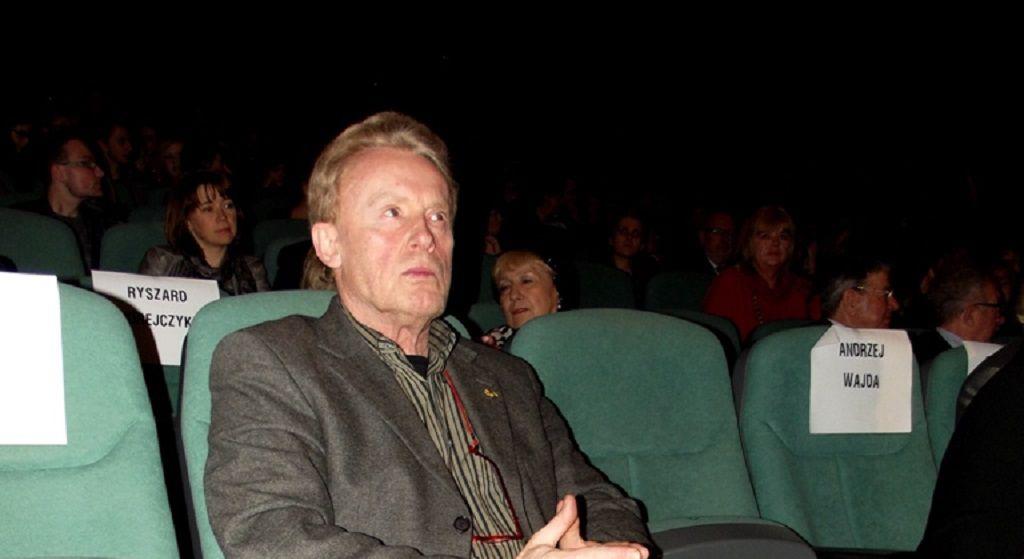 Olbrychski dostał cios w serce. Aktor przeżywa ciężkie chwile