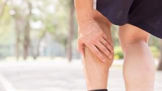 Ból łydek: przyczyny, w ciąży, po bieganiu, w nocy, dobre leczenie