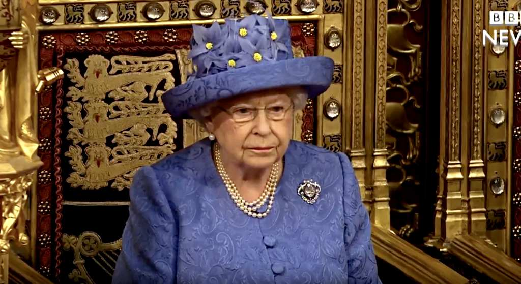 Elżbieta II ma dość. Cała Wielka Brytania nie może uwierzyć