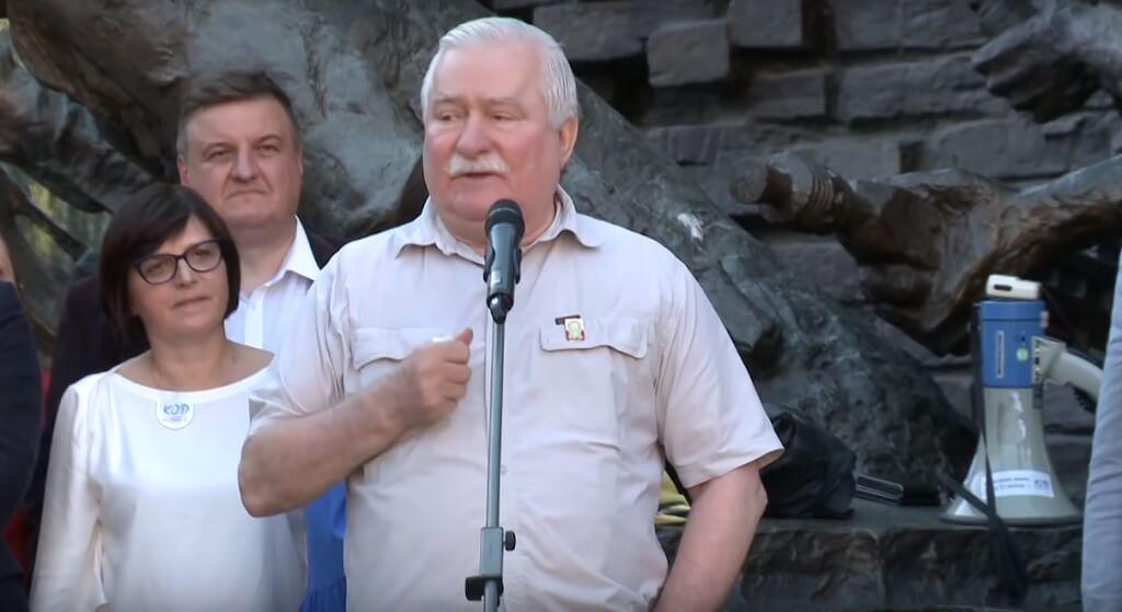 Wyciekł list Wałęsy do Kiszczaka. B. prezydent po raz pierwszy skomentował sprawę