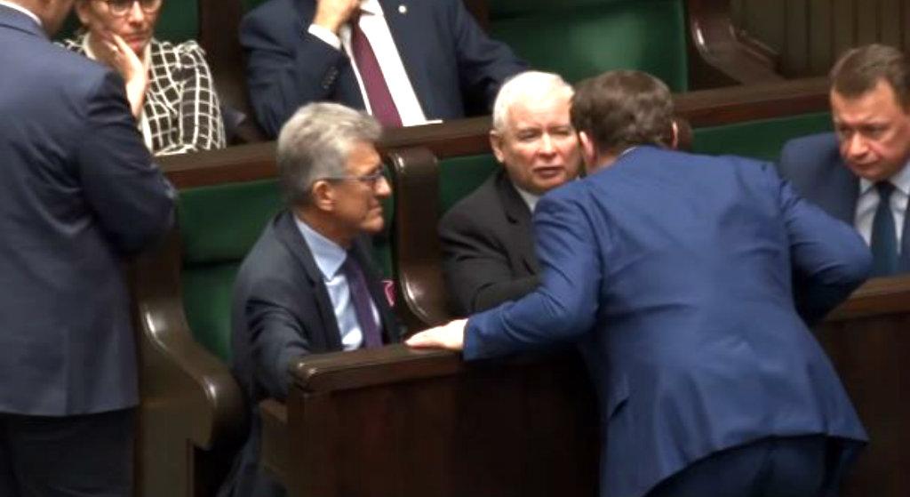 Kaczyński wszedł na mównicę i zmroził cały Sejm! Sala zamarła