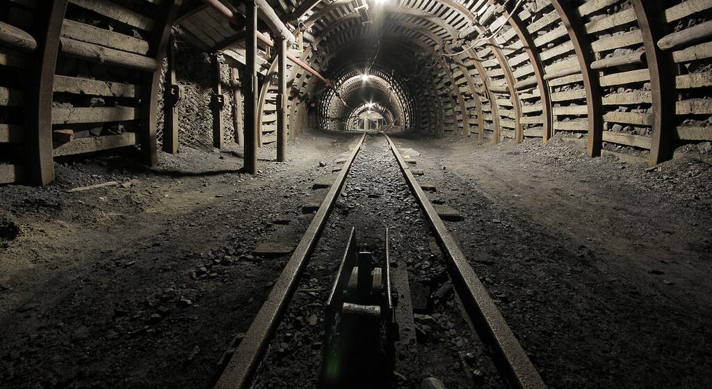 Kolejny wypadek w kopalni. Niesamowita tragedia, ratownicy liczą na cud