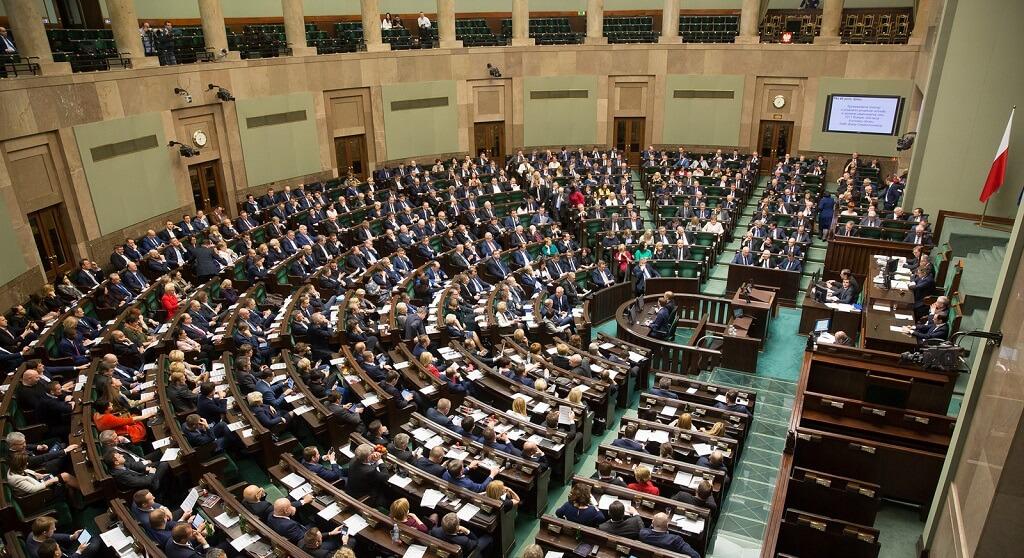 Polacy wpadną w szał. Wielotysięczne wypłaty w Sejmie za... brak pracy