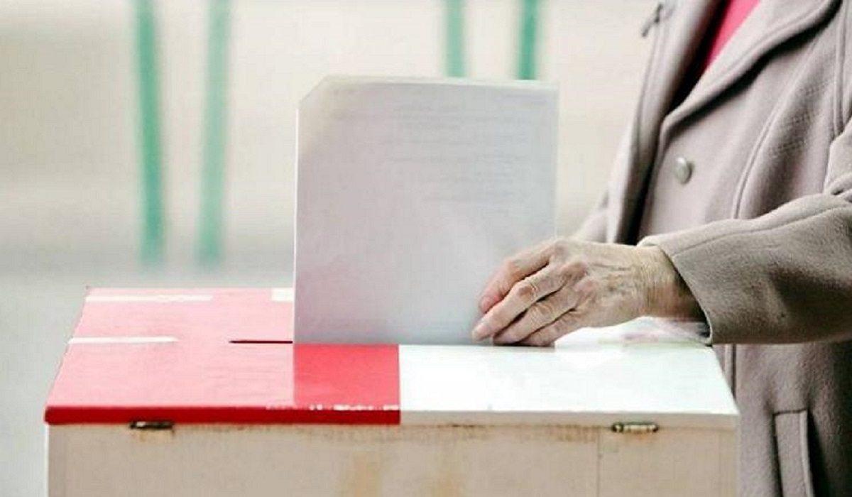 Będą przedterminowe wybory? Szokujące doniesienia z PiS, znamy datę