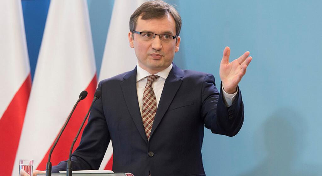 Zbigniew Ziobro szeryfem Polski? Zatrzymania na pokaz i zastraszanie