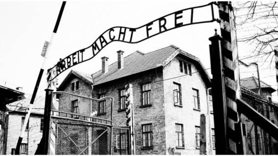 Gargantuiczny skandal! TVP atakuje muzeum Auschwitz