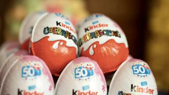 Kiedy dzieci otworzyły Kinder Niespodzianki, niemal zwymiotowały. W środku było coś ohydnego