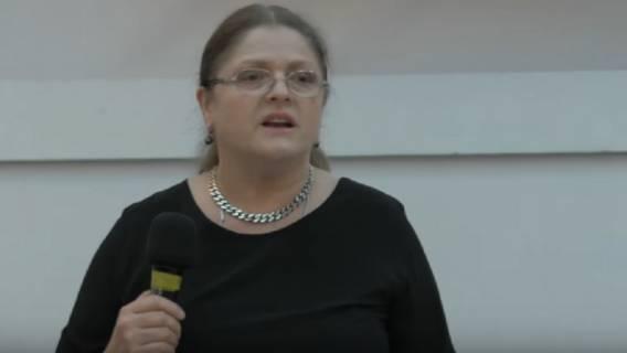 Krystyna Pawłowicz robi sobie przerwę w kuracji i brutalnie atakuje dziennikarzy