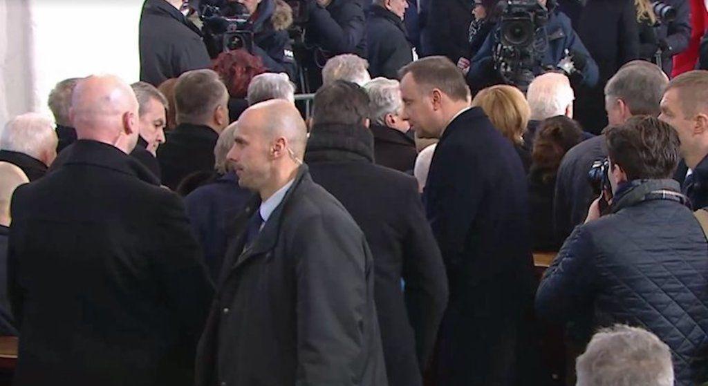 """WSTYD! Andrzej Duda na pogrzebie Adamowicza nie podał ręki swoim """"przeciwnikom"""""""