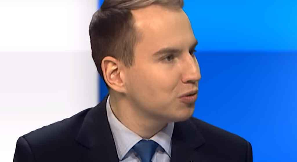 Ile zarabia Adam Andruszkiewicz? Zarobki wiceministra cyfryzacji przyprawiają o zawrót głowy