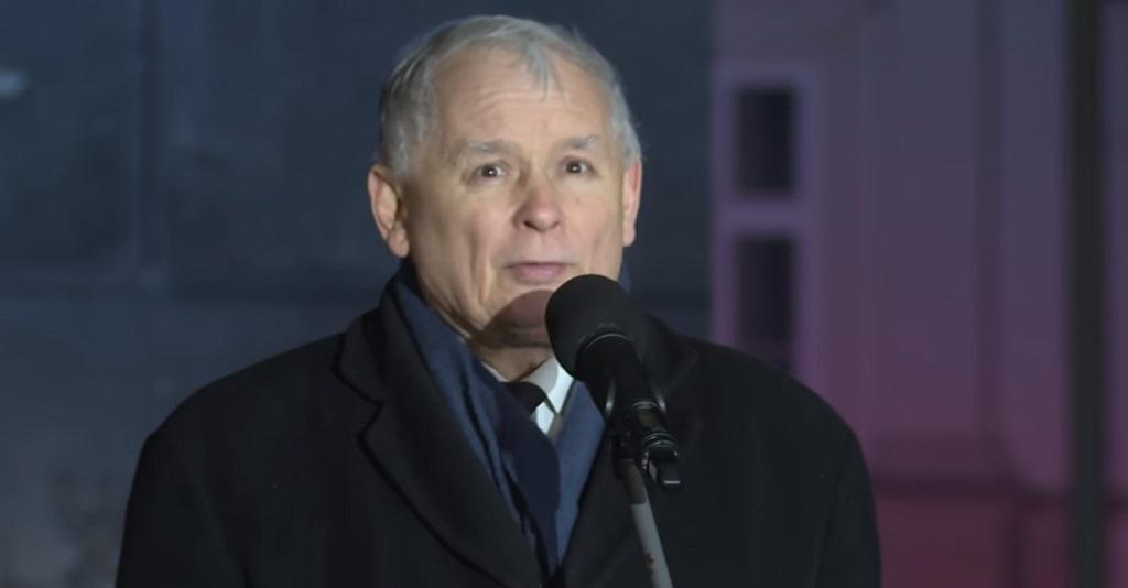 Jak on mógł?! Skandal z Kaczyńskim podczas minuty ciszy dla Adamowicza w Sejmie
