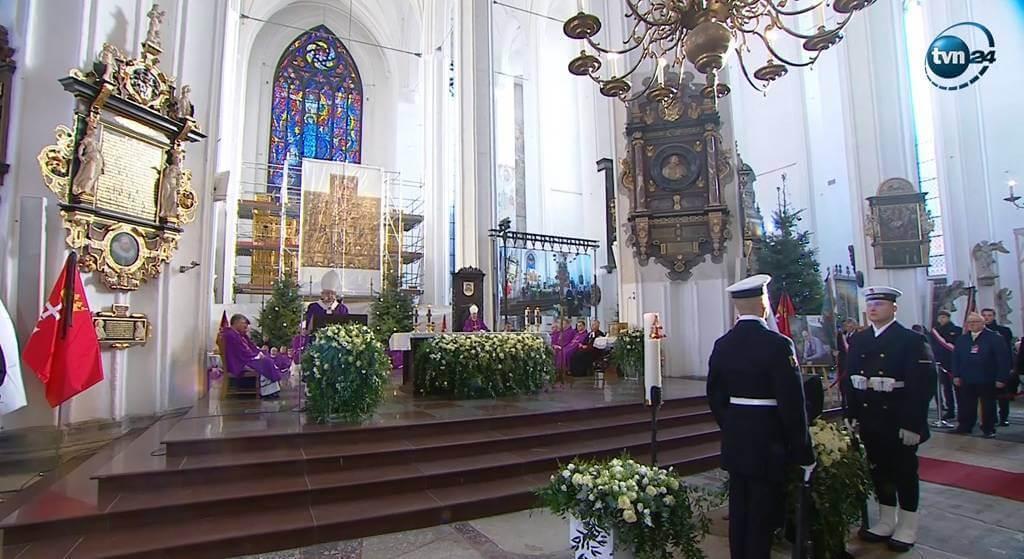 Piękny gest księdza. Taca z pogrzebu Adamowicza została przeznaczona na Syryjczyków z Aleppo
