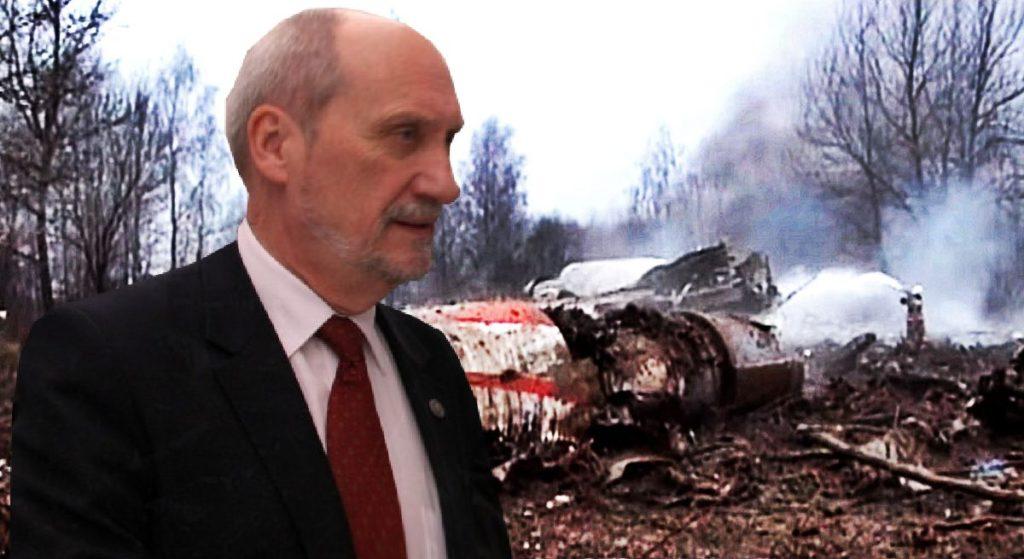 Macierewicz stanie przed sądem?! Jest oskarżenie o zatajanie prawdy o katastrofie smoleńskiej