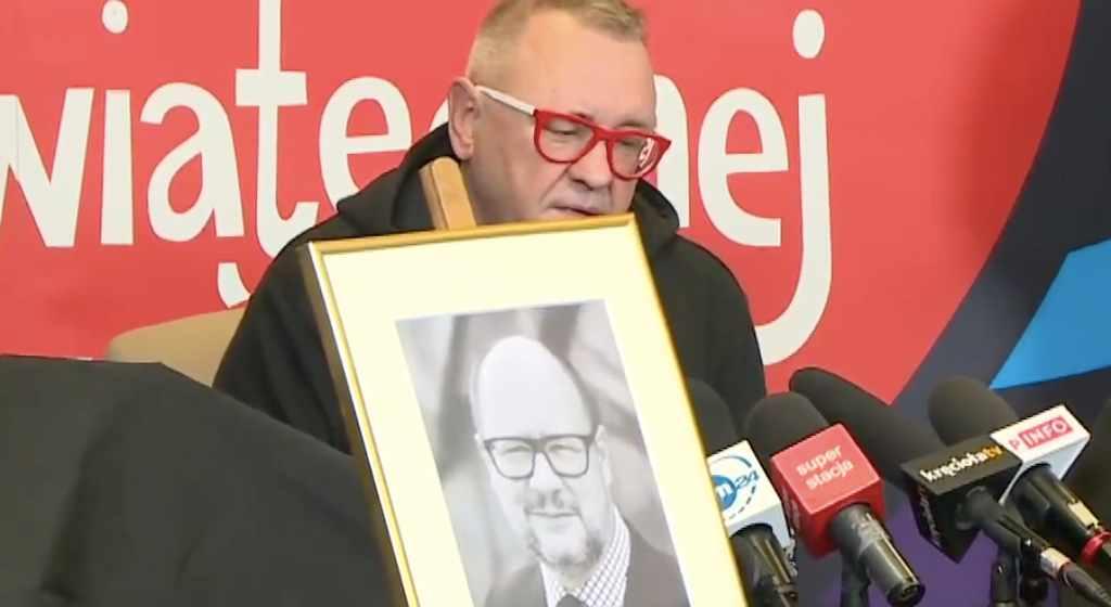 Owsiak właśnie wziął całą odpowiedzialność za tragedię na siebie. Fani wspierają Jurka