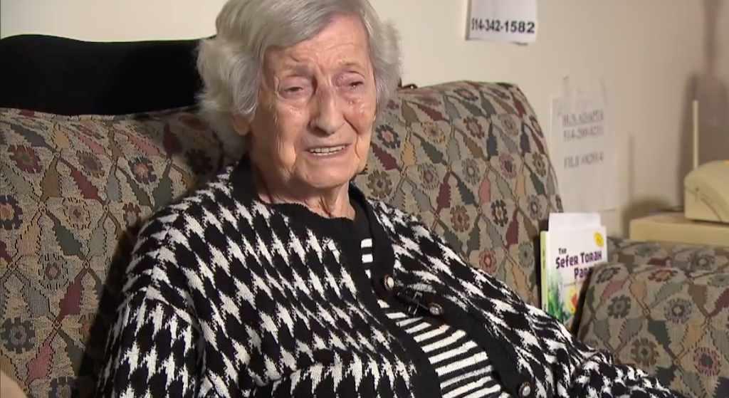 Ta staruszka przeżyła Holokaust! Teraz została brutalnie pobita