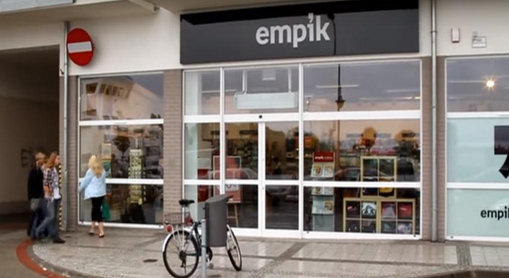 Empik przyłączył się do wzruszającej akcji. Internauci opluwają sieć księgarni