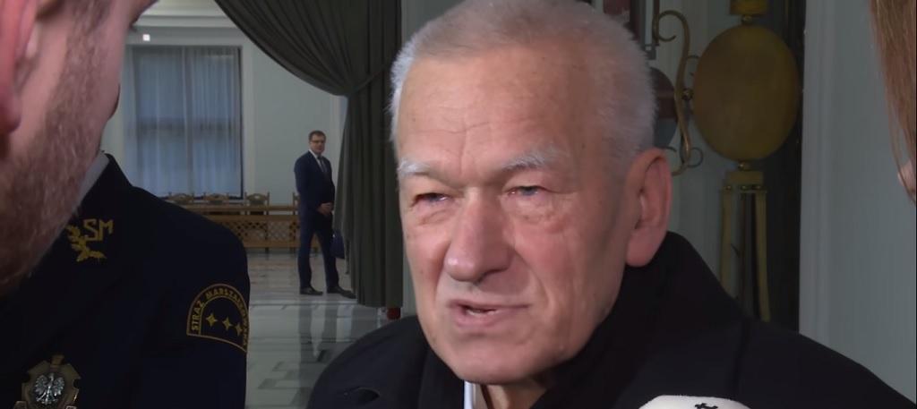 Niepokojące doniesienia mediów. Ojciec Morawieckiego ma raka?