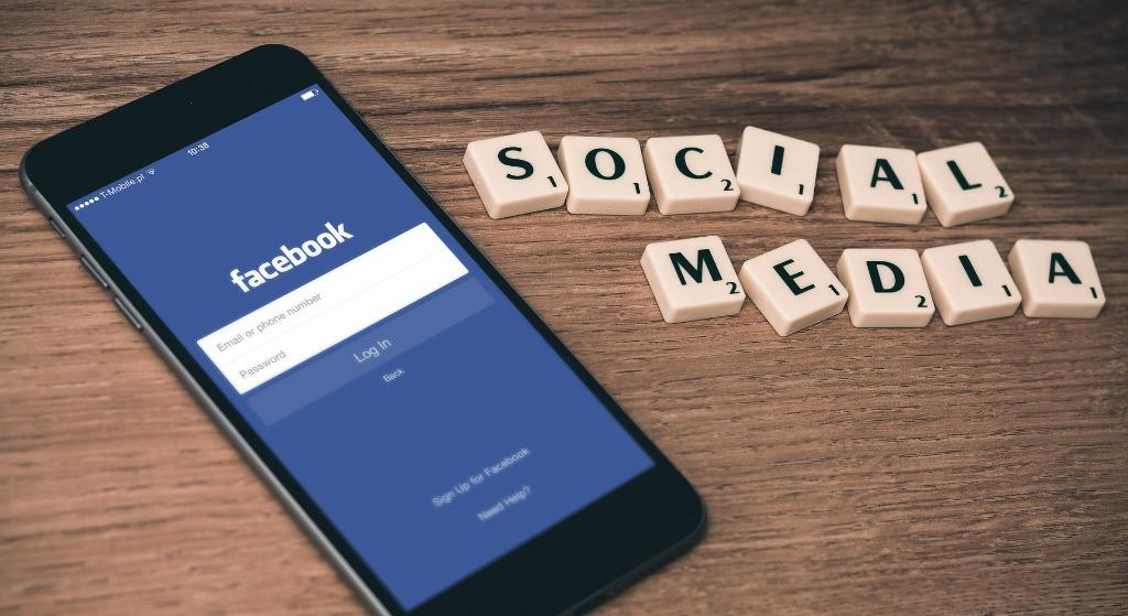 O co chodzi z oświadczeniem na Facebook? Tysiące Polaków to udostępnia, czy działa?