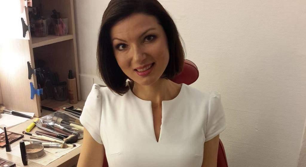 """Eliza Michalik: """"Z Elizą na plaży"""", w mini, wyznanie. Kiedy urodziła się dziennikarka?"""