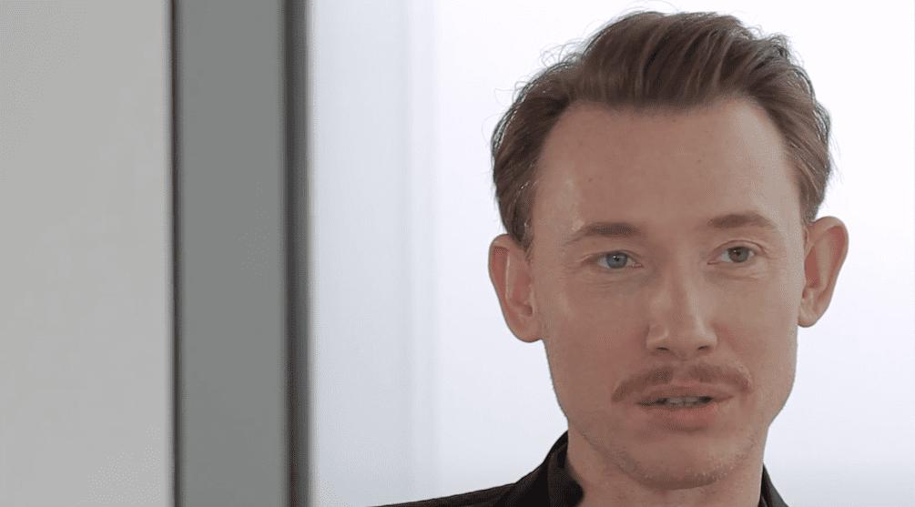 """Rafał Mohr: żona, życie prywatne. Kim jest aktor """"Kleru""""?"""