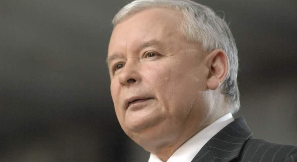 """Aż trudno uwierzyć. Poznaliśmy nazwisko księdza, który miał dostać 50 tys. w """"kopercie Kaczyńskiego"""""""