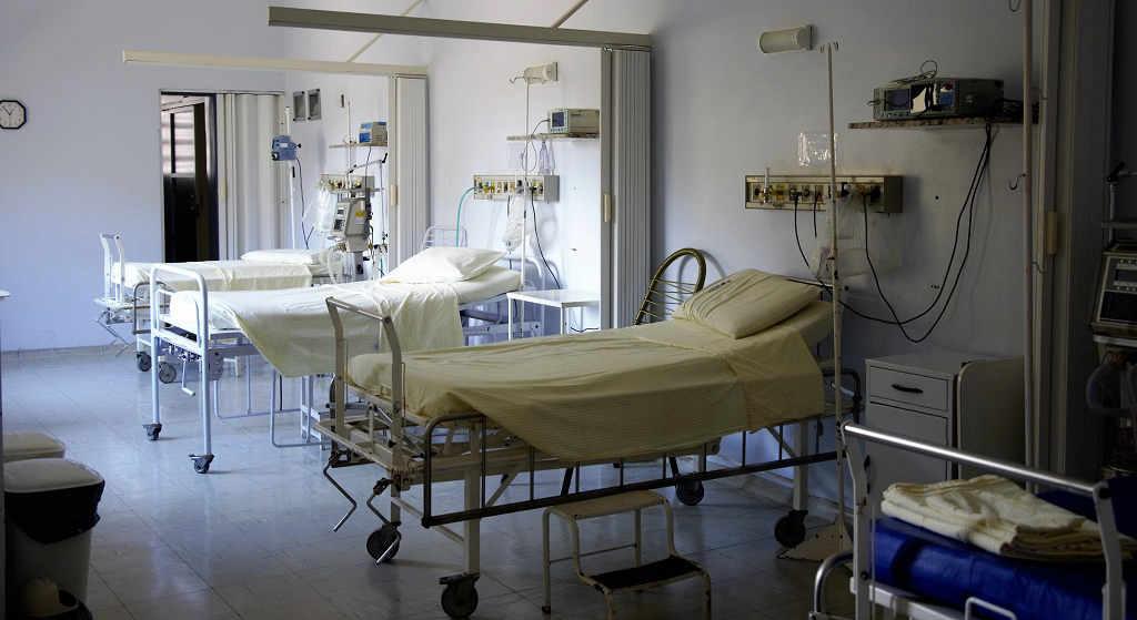 W szpitalu podali jedzenie. Śmierdzące, obrzydliwe, obślizgłe na brudnych talerzach