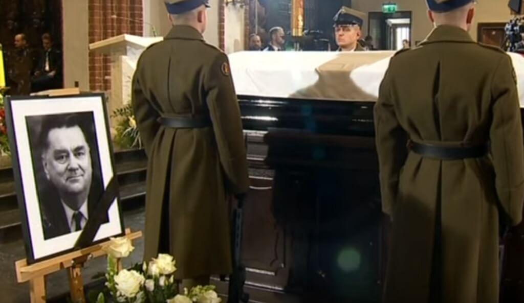 """PiS rozlicza polityków po pogrzebie Olszewskiego. """"Wszystko wykorzystają do propagandy"""""""