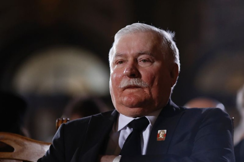 """Odpowiedzialny za zakaz handlu w niedzielę Piotr Duda do Wałęsy: """"Nie masz honoru"""""""