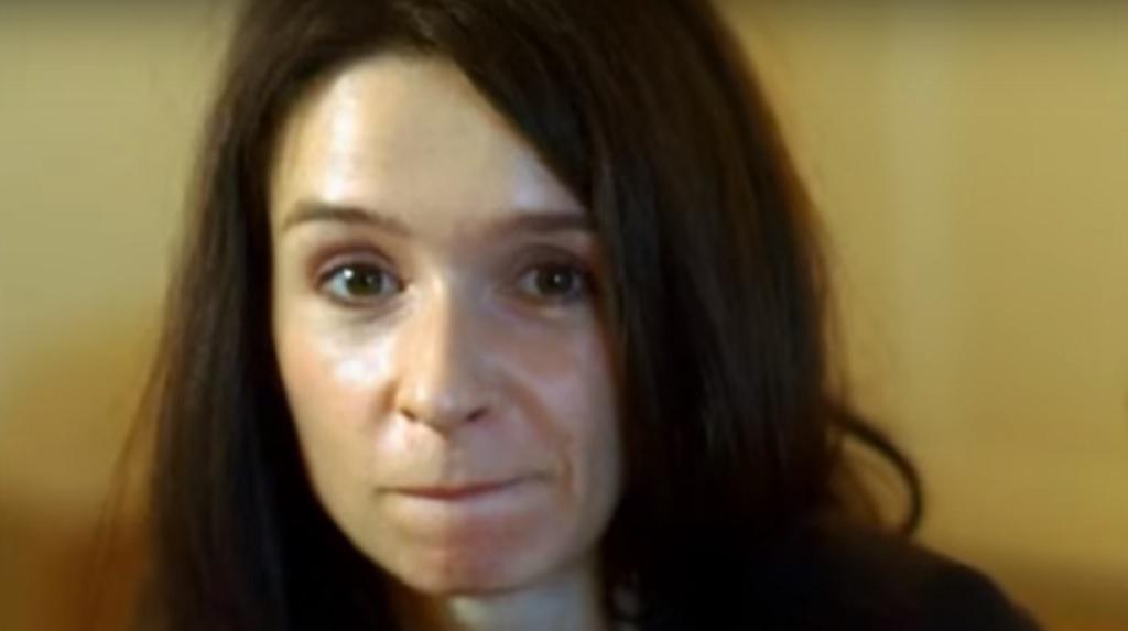 Córka Kaczyńskiej szaleje w szkolnej toalecie. Internauci zaskoczeni