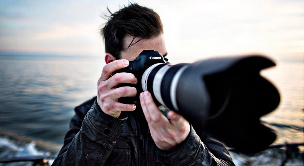 Ile zarabia fotograf w Polsce? Opłaca się robić zdjęcia na ślubach