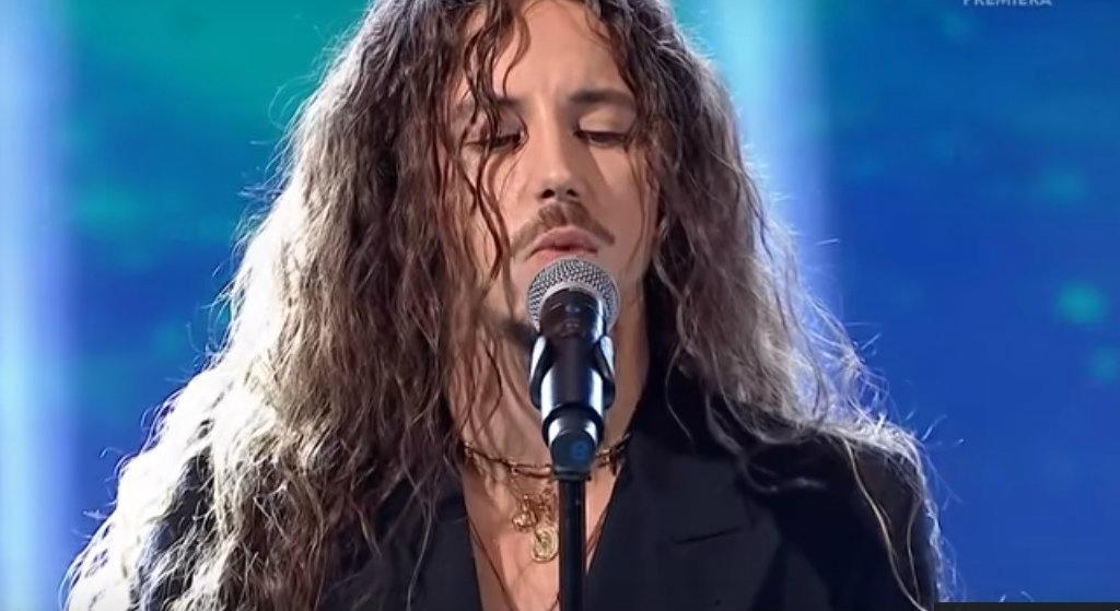 Michał Szpak genialnie wykonał megahit dla chorej gwiazdy. Łzy wzruszenia w Jaka to Melodia?