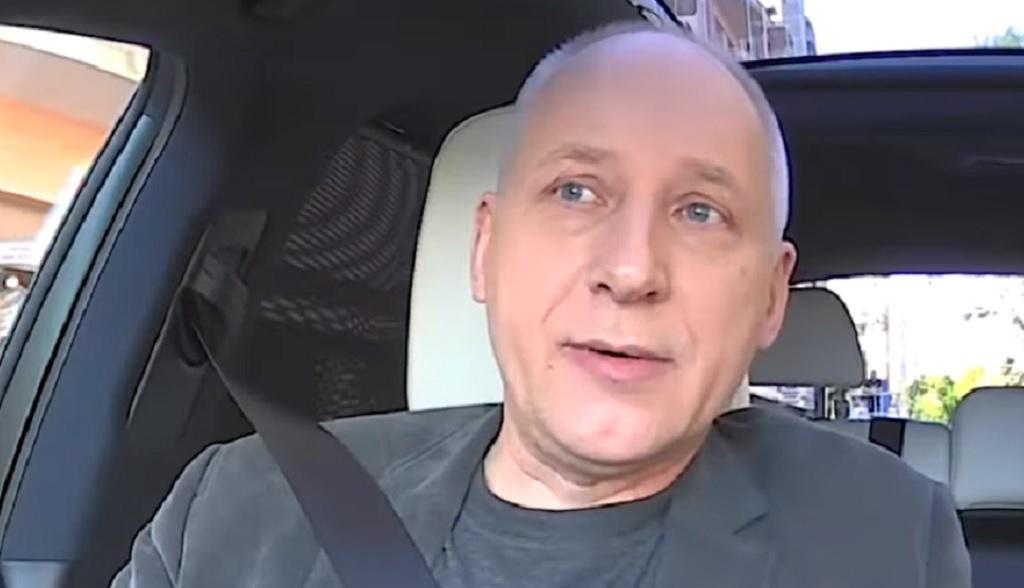 """Dramat Kuby Sienkiewicza z """"Elektrycznych Gitar"""". Własna rodzina chce go wyrzucić z domu"""