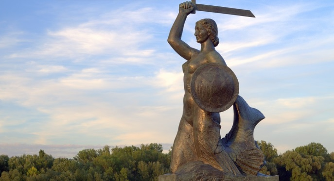 Czy Ordo Iuris chce zasłonić piersi warszawskiej Syrence? Sprawdziliśmy to