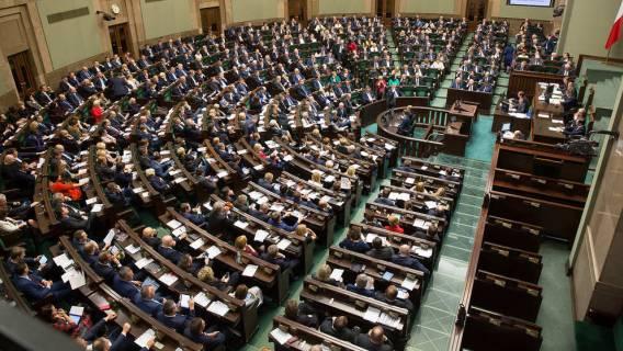 Sejm: nocne głosowanie nad ustawą o cenach prądu