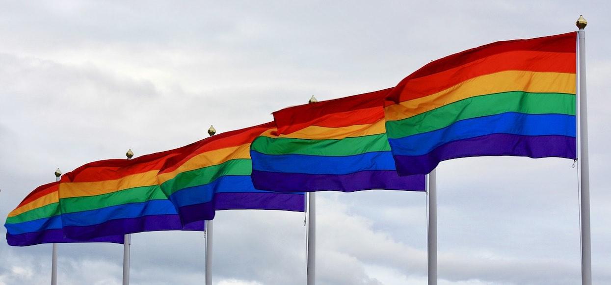 Co znaczy skrót LGBT? Propozycja Trzaskowskiego wywołuje silne emocje