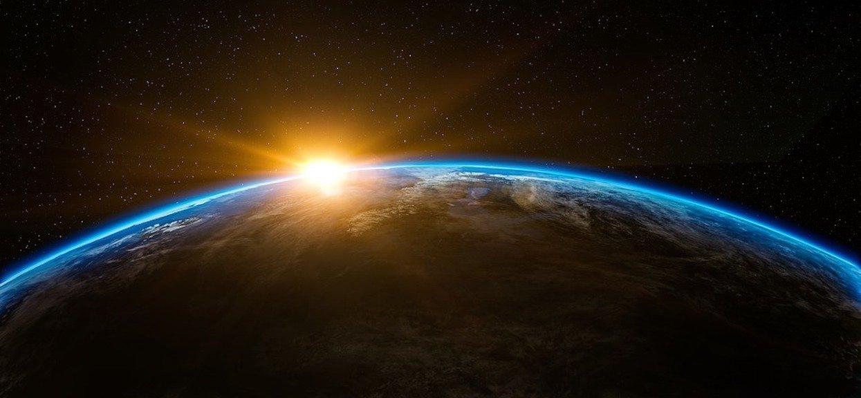 Meteor eksplodował nad Ziemią z siłą 10 razy większą niż bomba atomowa