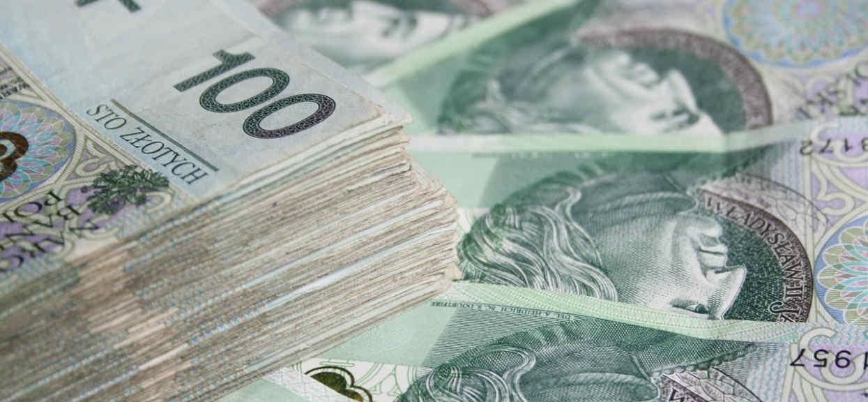 Banki rozdają pieniądze! Wystarczy zrobić 1 prostą rzecz, do wygrania 100 tysięcy złotych
