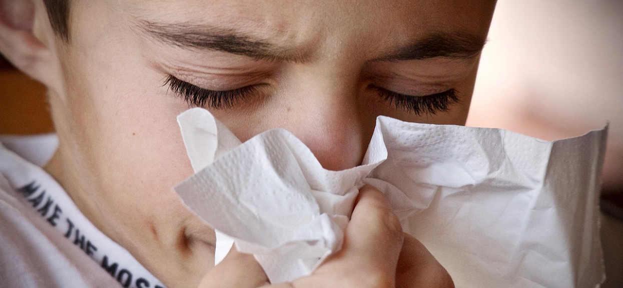 NIGDY nie lekceważ tych objawów! Od stycznia 118 Polaków zmarło na grypę