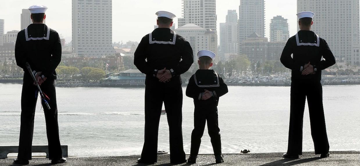 Ile zarabia marynarz na statku? Czy warto się zaokrętować?